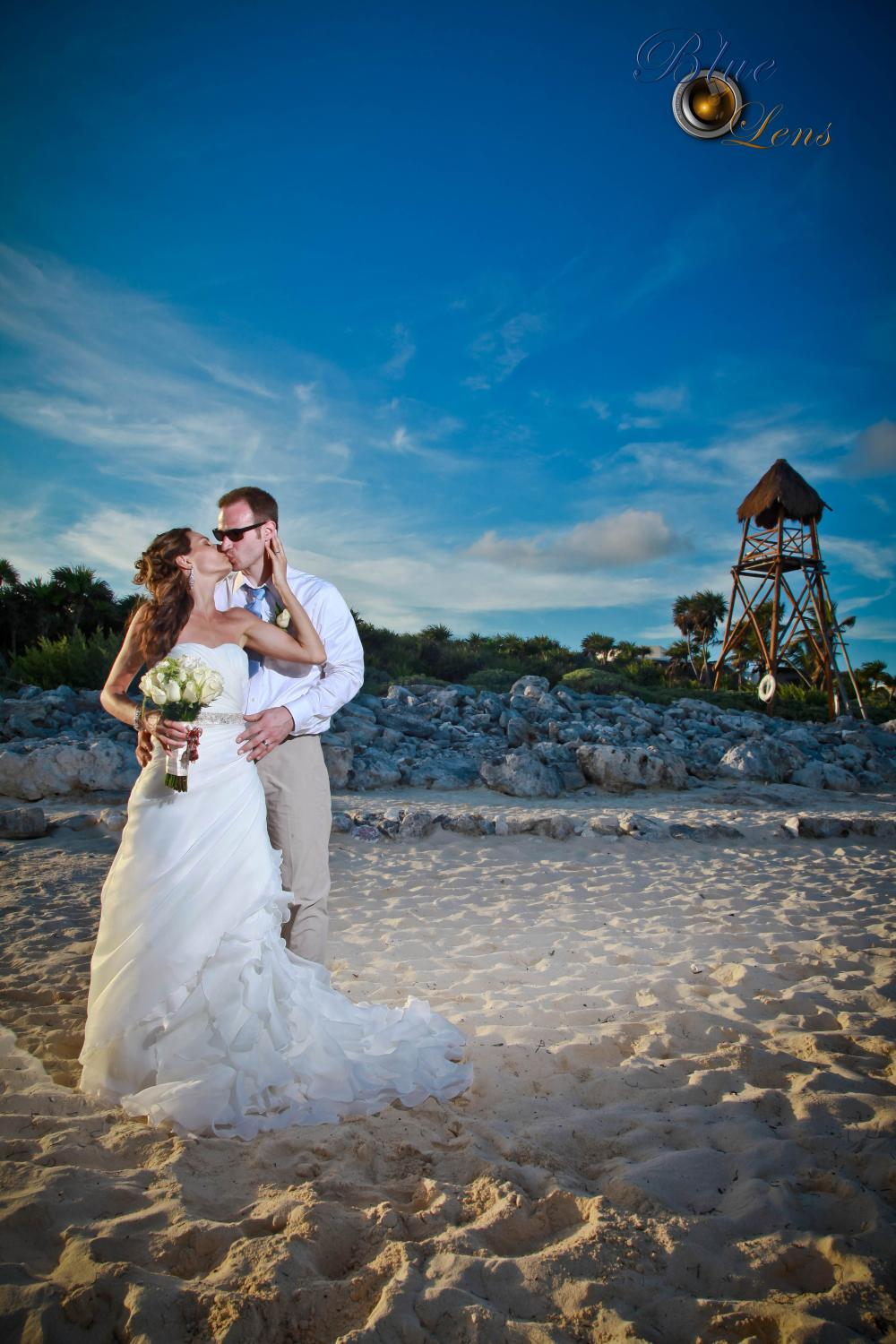 Valentin Imperial Weddings with Blue Lens Caribe