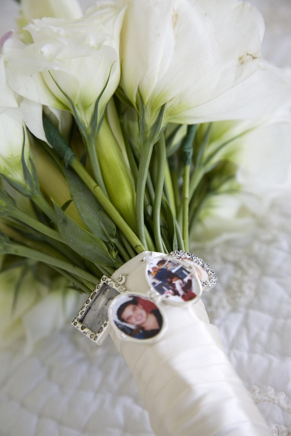 I struggled to find a way to honor my deceased brother, my fiance's mother and my grandparents. This ended up being perfect! I loved it. the locket with the photo of my brother closed up. It was very sweet!