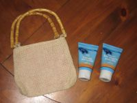 Spa favor: Weave bag with B&BW shower gel and lotion